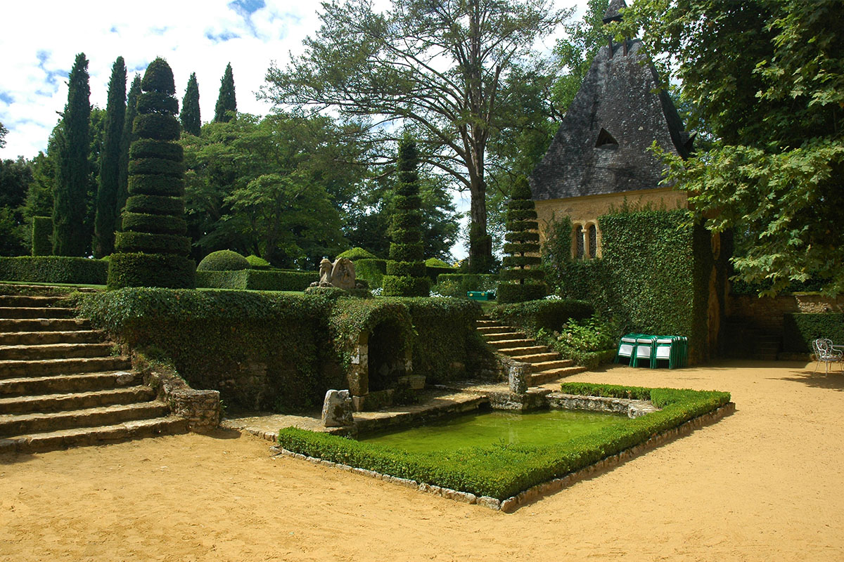 The gardens of the Eyrignac's manor in Dordogne Valley in France