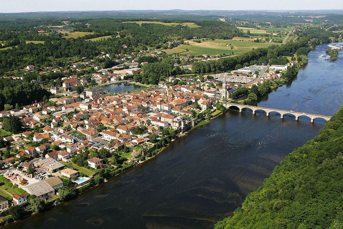 View of the village of Lalinde in Dordogne Valley in France