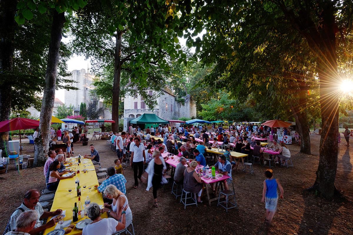 Farmers night market in Eymet in Dordogne Valley in France